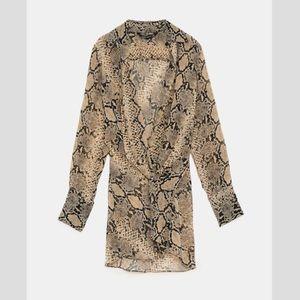 Zara Woman Snake Print Tan V-Neck Blouse, M